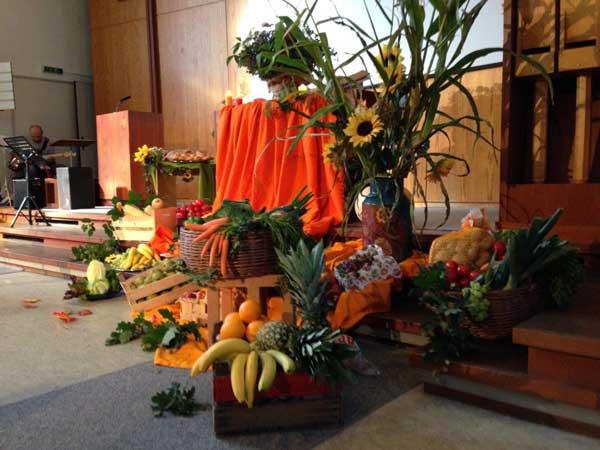 Obst und Gemüse zum Erntedank-Gottesdienst